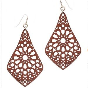 NEW LEATHER FILIGREE BOHO EARRINGS